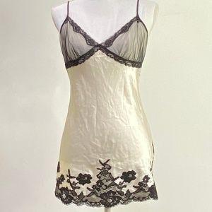 Victoria Secret's 100% Silk Ivory Lace Camisole S
